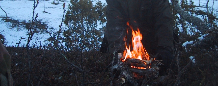 9-fire-making-with-knife